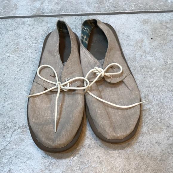 Sanuk Shoes | Canvas | Poshmark